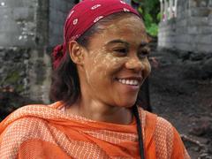 Comoros paintings