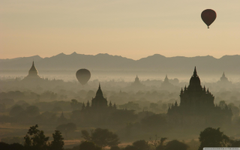 Hot Air Balloons Over North Guni Bagan Myanmar 4K HD Desktop
