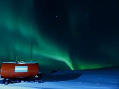 La Base Belgrano II vivió una noche soñada con aurora austral