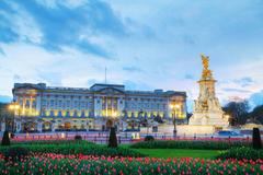 Wallpapers London Palace England Monuments Buckingham palace Tulips