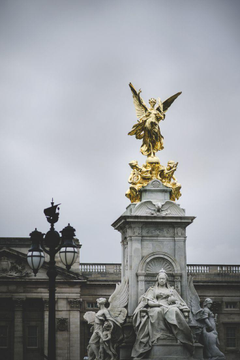 Queen Victoria Memorial in front of Buckingham Palace