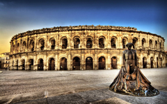 Colosseum and Statue Wallpapers