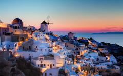 Travel to the most romantic Greek Island Santorini