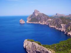 Palma de Mallorca Yacht Charter Pictures