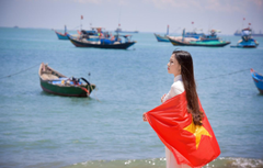 Wallpapers sea summer girl face dress flag Vietnam image for