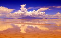 Salar de Uyuni Salt pan Reflection in Bolivia Wallpapers
