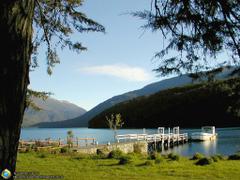 Muelle del lago Nonthué