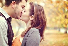 Sweet Kiss Wallpapers