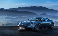 2018 Aston Martin DB11 Coupe V8