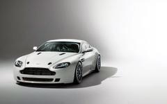 Aston Martin Vantage GT4 2014 Wallpapers