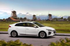 Hyundai IONIQ Electric PHEV Come Standard With Lifetime Battery