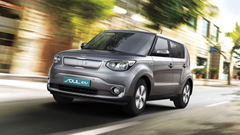 Silver Kia Soul EV electric vehicle in motion wallpapers and image
