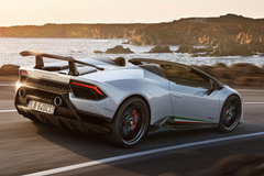 Lamborghini Huracan Performante Spyder hardcore and topless thrills