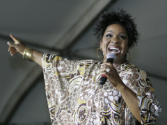 Gladys Knight taking stage with The O Jays at Sands Bethlehem Event