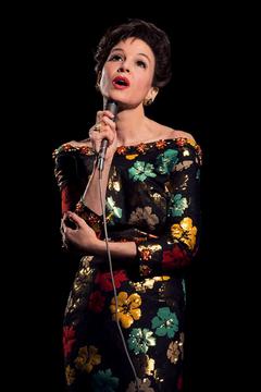 Renée Zellweger as Judy Garland First Look