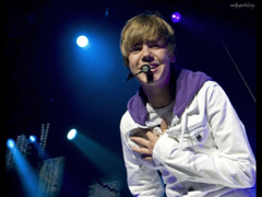 Justin Bieber Smile Desktop Wallpapers
