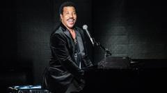 Lionel Richie sets outdoor Minneapolis