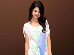 FunMozar Beautiful Wallpapers of Selena Gomez