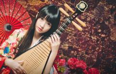 Wallpapers look girl umbrella Asian musical instrument lute
