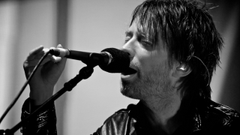 Wallpapers 2560x1440 Radiohead Soloist Singing