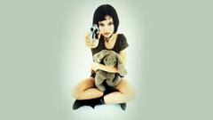 guns Natalie Portman Leon The Professional stuffed animals
