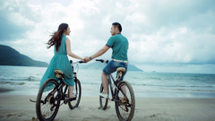 Couple Bicycle Riding On Beach Hd Wallpapers 75 Wallpapers13
