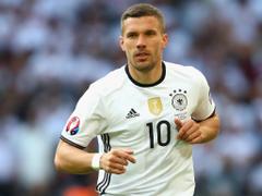 J1 League acutalités German star Podolski joins Japan s Vissel Kobe