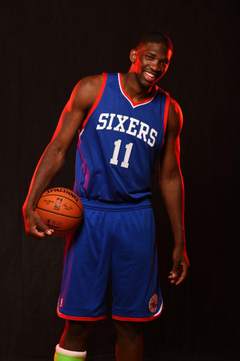 Joel Embiid Dons Sixers Jersey for First Time At Rookie Photoshoot