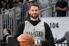 Kevin Love opens up about mental health including his own panic