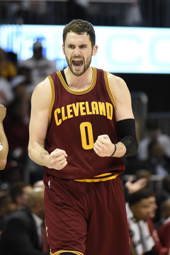 Kevin Love says he a stretch four continues to play like one