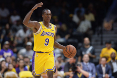 Lakers Luke Walton calls Rajon Rondo as smart as he s ever seen