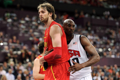 Lakers Kobe Bryant once motivated Pau Gasol by hanging his Olympic