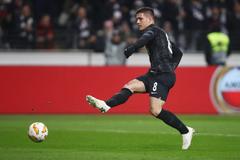 Eintracht Frankfurt expect big bidding war for Chelsea target Luka
