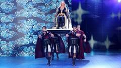 Charlotte Flair def Sasha Banks to win the Raw Women s