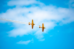 wallpapers 5568x3712 airplanes airshow trick sky smoke