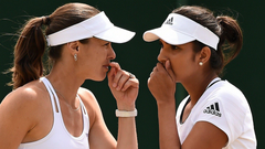 Sania Mirza helps Hingis to first Wimbledon title in 17 years