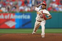 Carlos Martinez makes a changeup adjustment