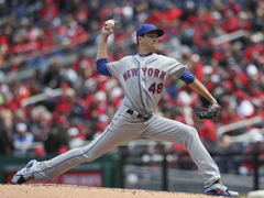 Mets Jacob deGrom finds way through difficult sixth inning He