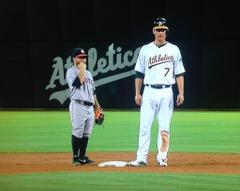 Jose Altuve dwarfed by Nate Freiman