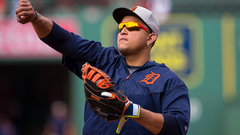 Miguel Cabrera throws glove at pickoff try gets out anyway