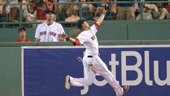 Mookie Betts suffers similar fate as NFL WR when ground jars ball