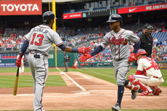 Video Ozzie Albies Braves pound Phillies 10