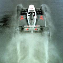 Mika Hakkinen in the wet British GP 98 formula1