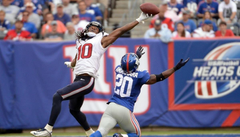 DeAndre Hopkins puts a nasty move on DeAngelo Hall