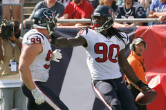 Clowney shows out again to highlight South Carolina s NFL alums