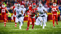 Alex Smith on Tyreek Hill He makes it easy to stay aggressive