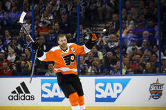 Claude Giroux is up for an award and you can vote to help him win