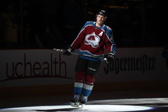 Nathan MacKinnon runs away with 1st Star of the Week honors