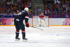 Red Wings Trade Rumors TJ Oshie Is Not Worth It