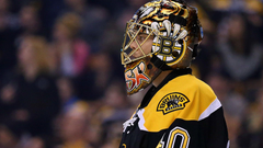 Bruins G Tuukka Rask leaves game after sustaining concussion on
